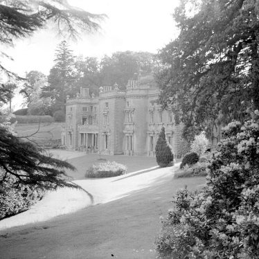 Shuckburgh Park.  Shuckburgh Hall