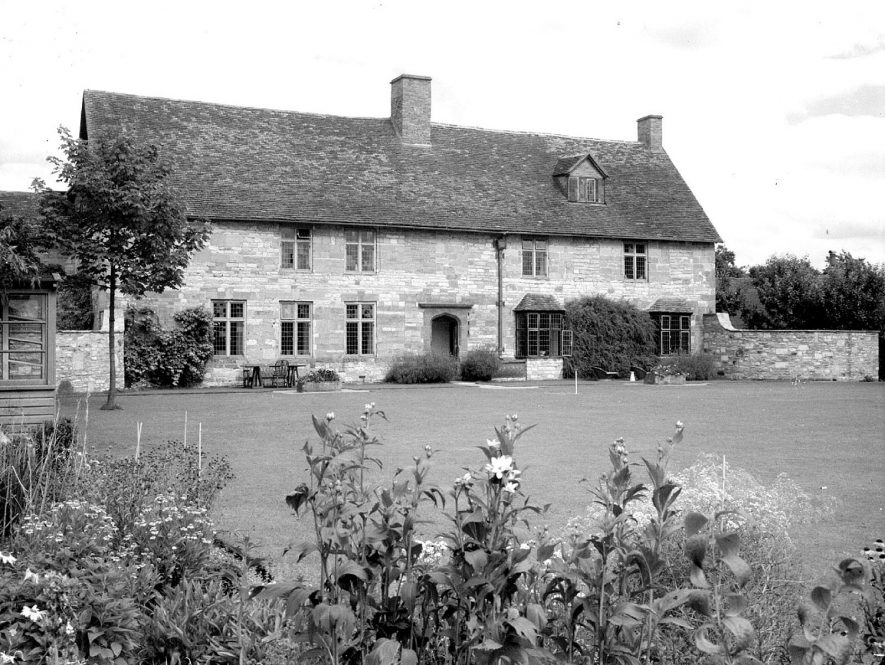 Shottery Manor house, rear view and garden.  August 1951 |  IMAGE LOCATION: (Warwickshire County Record Office)