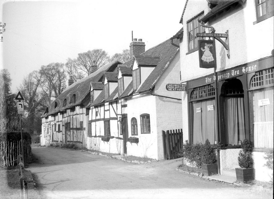 Row of cottages, including The Tapestry Tea House, Shottery.  1939 |  IMAGE LOCATION: (Warwickshire County Record Office)