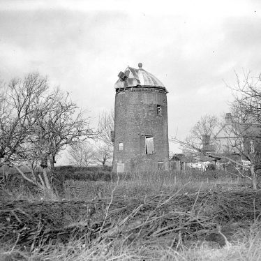 Shrewley.  Stone windmill
