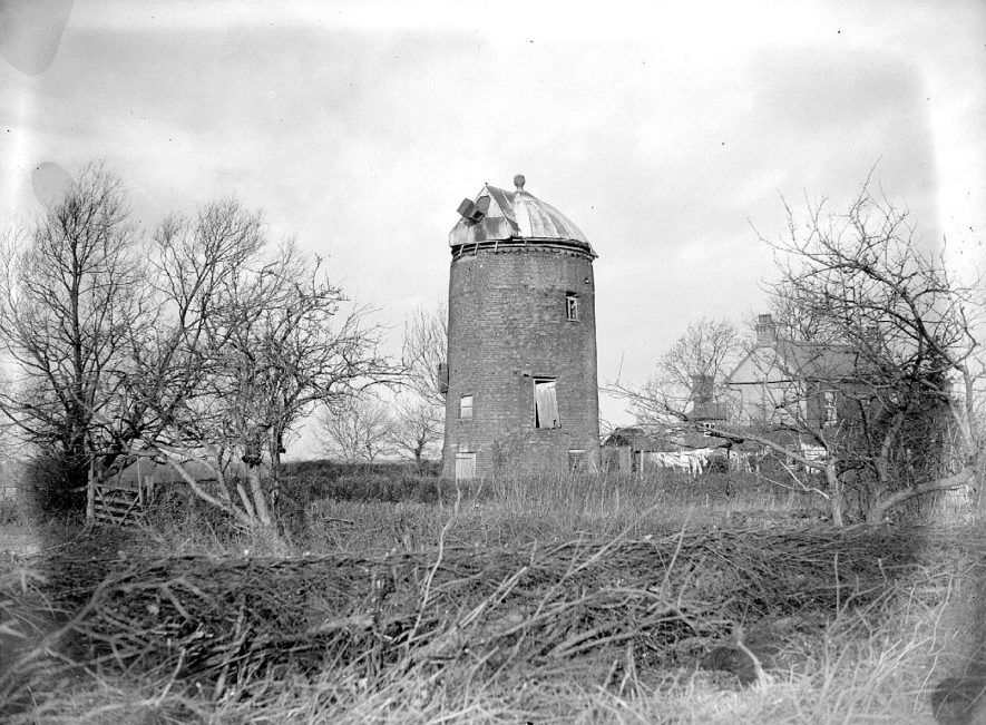 Disused stone windmill at Shrewley.  1929 |  IMAGE LOCATION: (Warwickshire County Record Office)
