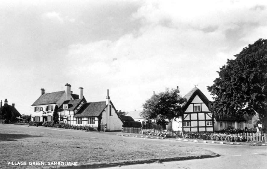 The village green and houses at Sambourne.  1960s |  IMAGE LOCATION: (Warwickshire County Record Office)