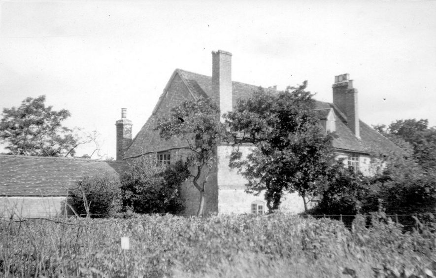 Hathaway Farm,  formerly Burman's Farm, Shottery, showing the farm house rear.  1900s |  IMAGE LOCATION: (Warwickshire County Record Office)