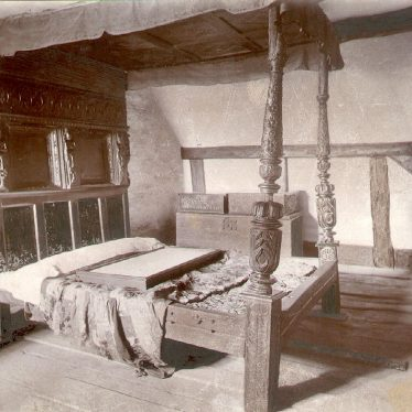 Anne Hathaway's Cottage Interior, Shottery, showing the parents bedroom.  1900s |  IMAGE LOCATION: (Warwickshire County Record Office)