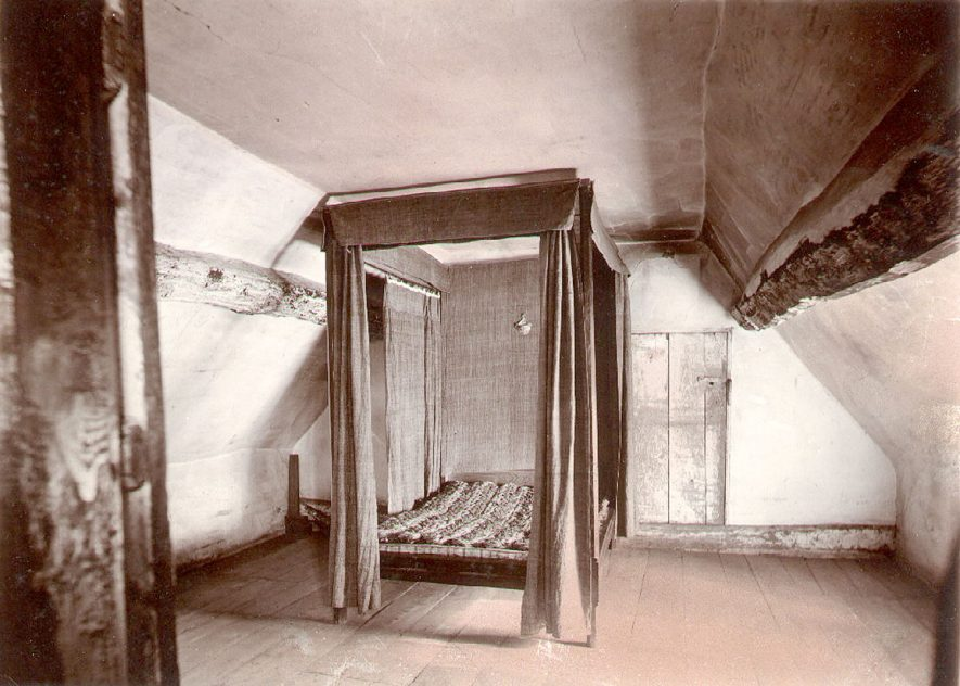 Anne Hathaway's Cottage interior, Shottery, showing the attic bedroom.  1900s |  IMAGE LOCATION: (Warwickshire County Record Office)