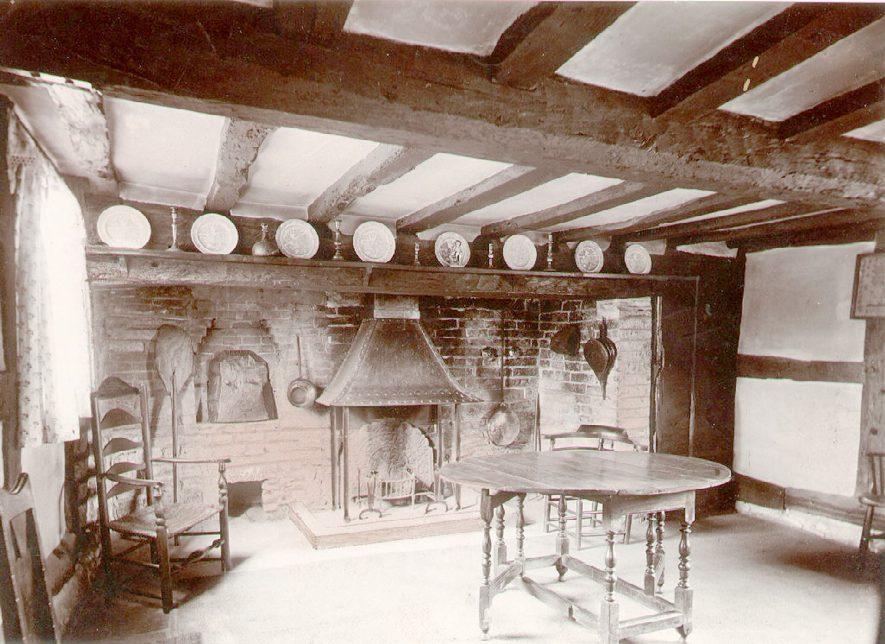 Anne Hathaway's Cottage interior, Shottery, showing the kitchen.  1900s |  IMAGE LOCATION: (Warwickshire County Record Office)