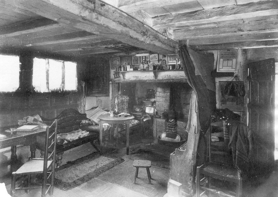 Interior of Ann Hathaway's Cottage, Shottery.  1890s |  IMAGE LOCATION: (Warwickshire County Record Office)