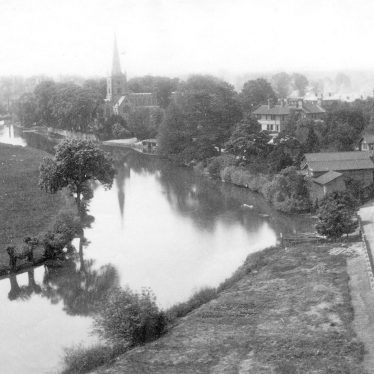 Stratford upon Avon.  Parish Church and river