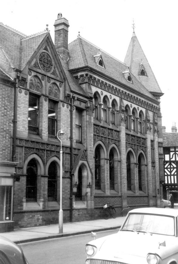 Exterior view of Barclay's Bank, Stratford upon Avon.  1963. |  IMAGE LOCATION: (Warwickshire County Record Office)