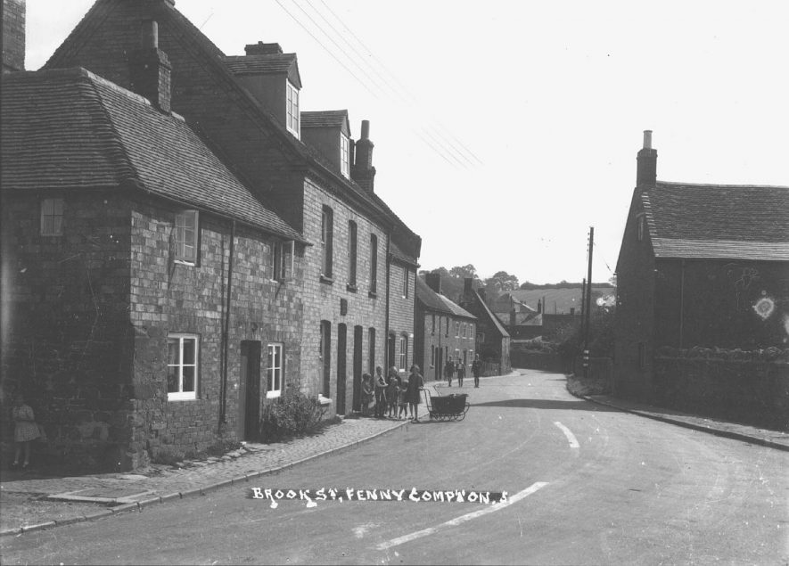 Part of Brook Street, Fenny Compton.  1930s |  IMAGE LOCATION: (Warwickshire County Record Office)