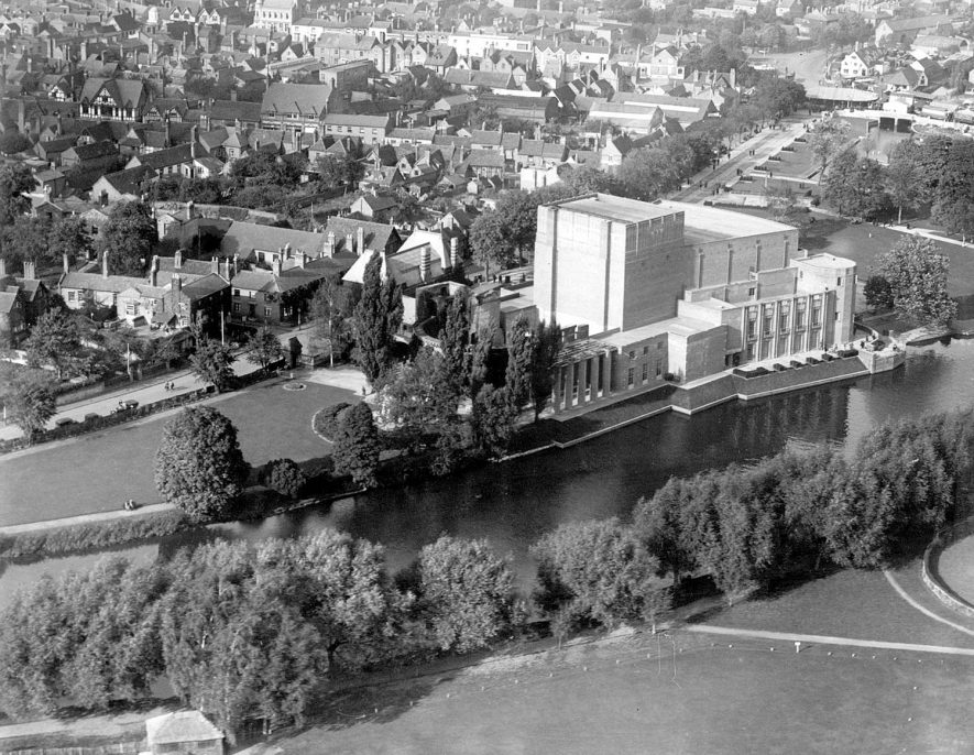 Aerial view of Shakespeare Memorial Theatre and River Avon with part of town, Stratford upon Avon.  1950s |  IMAGE LOCATION: (Warwickshire County Record Office)