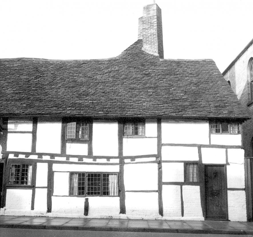 Exterior of 2 Masons Court, Rother Street, Stratford upon Avon.  1966 |  IMAGE LOCATION: (Warwickshire County Record Office)