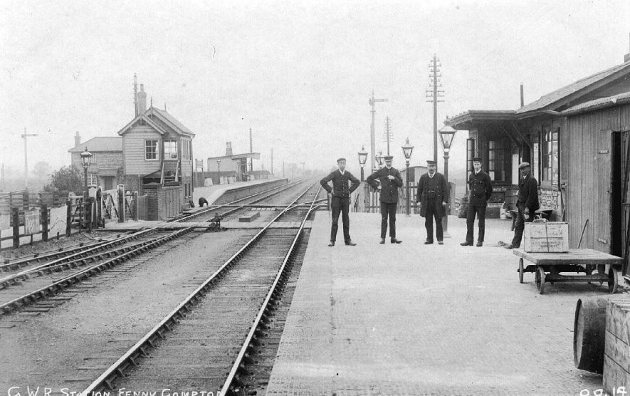 Fenny Compton Station platform, line and five station staff.  1914 |  IMAGE LOCATION: (Warwickshire County Record Office)