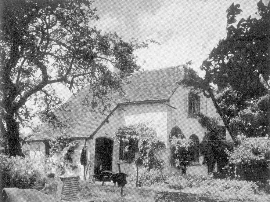 Cliffe Cottage, Stratford upon Avon. 1949[Location unknown] |  IMAGE LOCATION: (Warwickshire County Record Office)