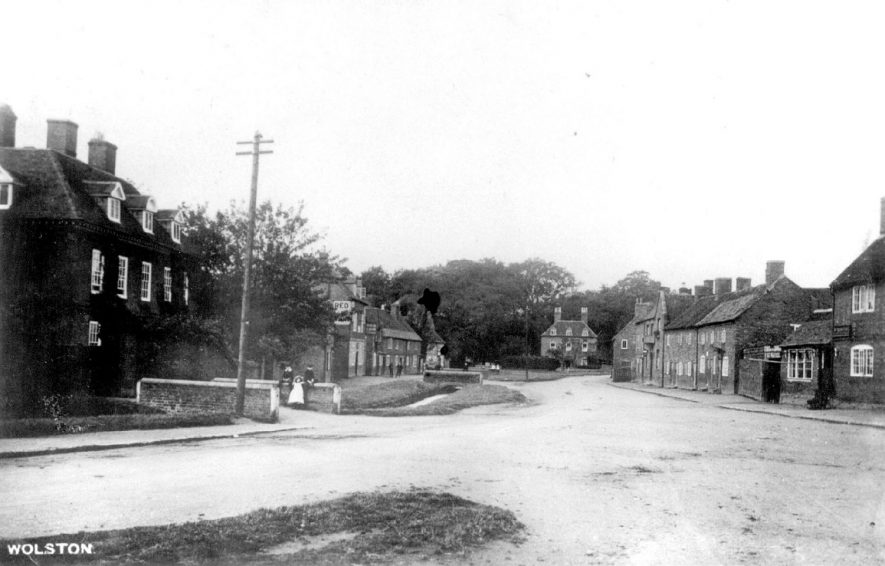 View of the village of Wolston.  1900s |  IMAGE LOCATION: (Warwickshire County Record Office)