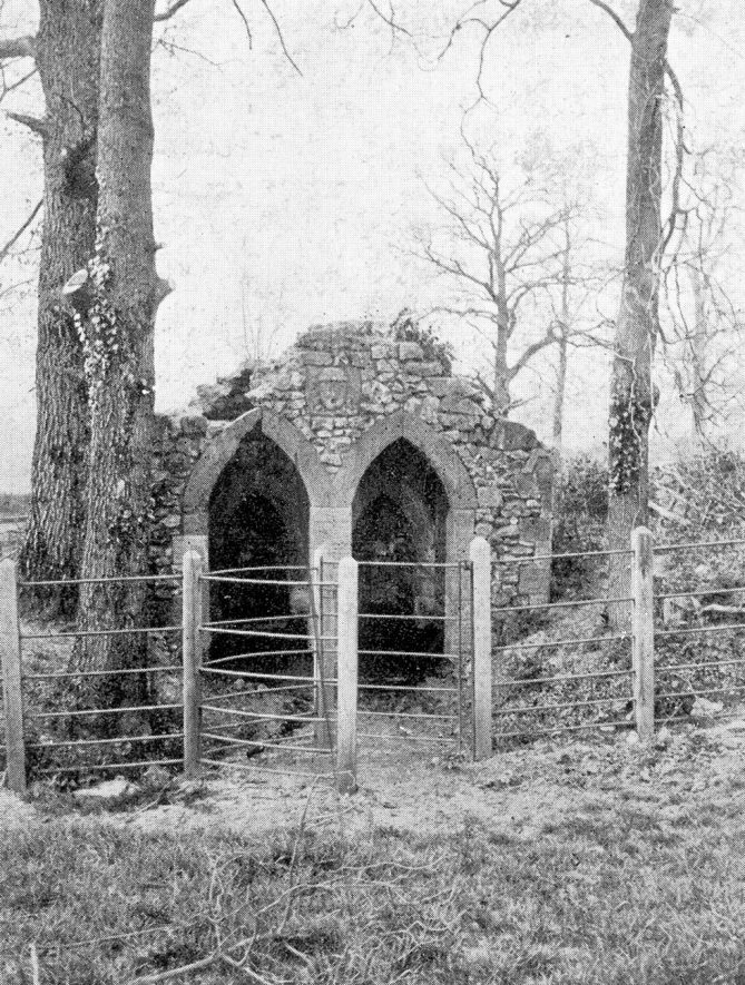 The Glyde Well, Little Wolford.  1910s |  IMAGE LOCATION: (Warwickshire County Record Office)