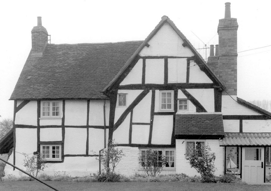 Meadow Cottage, Wixford.  1960s |  IMAGE LOCATION: (Warwickshire County Record Office)