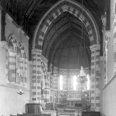 Winderton.  Saint Peter & Paul Church interior
