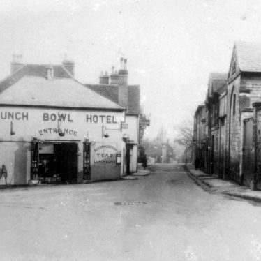 Warwick.  Punch Bowl Hotel
