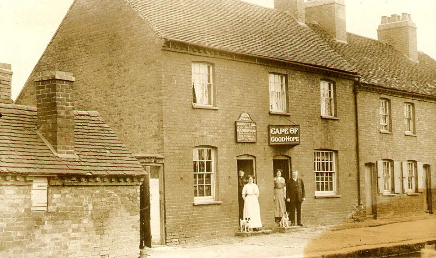 Cape of Good Hope public house, Warwick.  1910s |  IMAGE LOCATION: (Warwickshire County Record Office)
