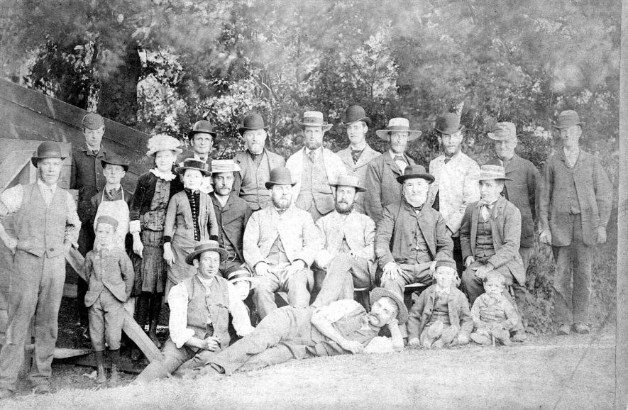 Mr Robert Greenfield, superintendent of Parks & Gardens with his children & workers in Warwick. 1890s. |  IMAGE LOCATION: (Warwickshire County Record Office) PEOPLE IN PHOTO: Greenfield, Mr Robert, Greenfield as a surname