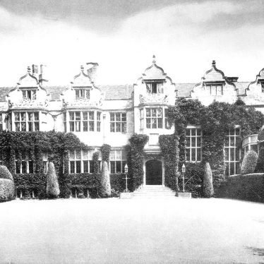 Warwick.  Priory and courtyard