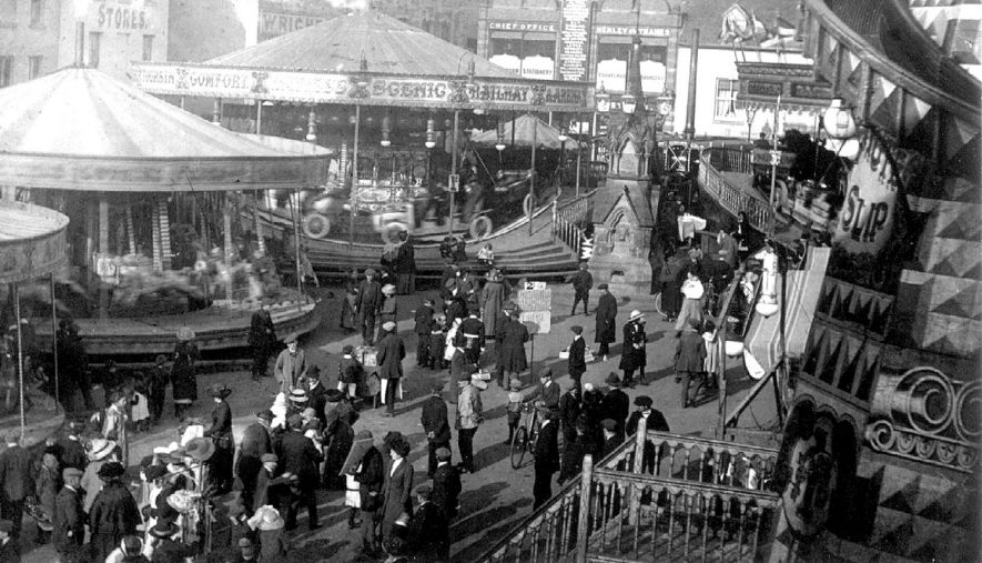 The Mop fair in the Market Place, Warwick.  October 1928    IMAGE LOCATION: (Warwickshire County Record Office)