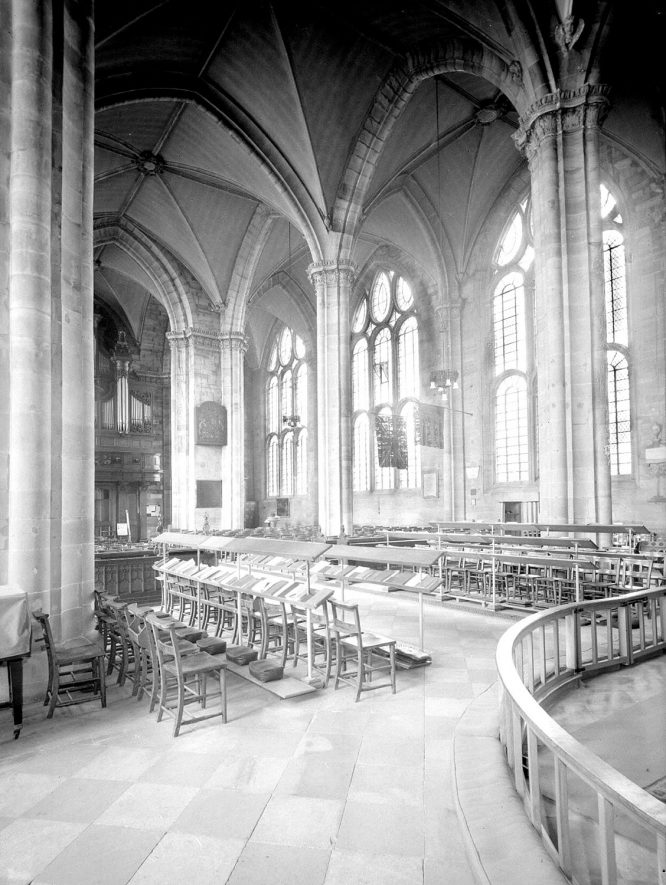 Interior of St. Mary's Church, Warwick, showing a view of the nave looking north-west.  1960s |  IMAGE LOCATION: (Warwickshire County Record Office)