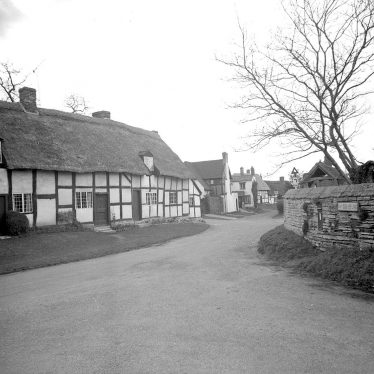 Welford on Avon.  Church View Cottage