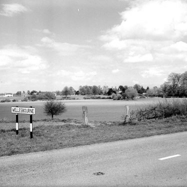 Wellesbourne.  Road into village