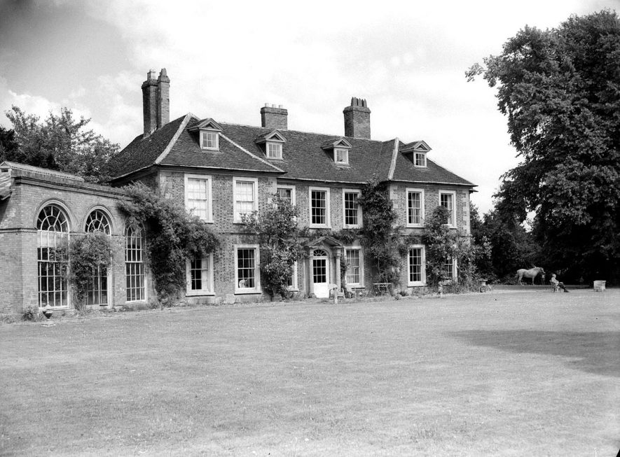 Wellesbourne. Wellesbourne Hall. Front of house |  IMAGE LOCATION: (Warwickshire County Record Office)