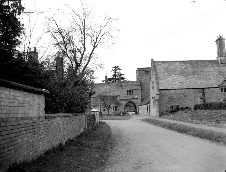Wormleighton.  The Manor House |  IMAGE LOCATION: (Warwickshire County Record Office)