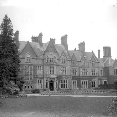 Wroxall.  Abbey, front