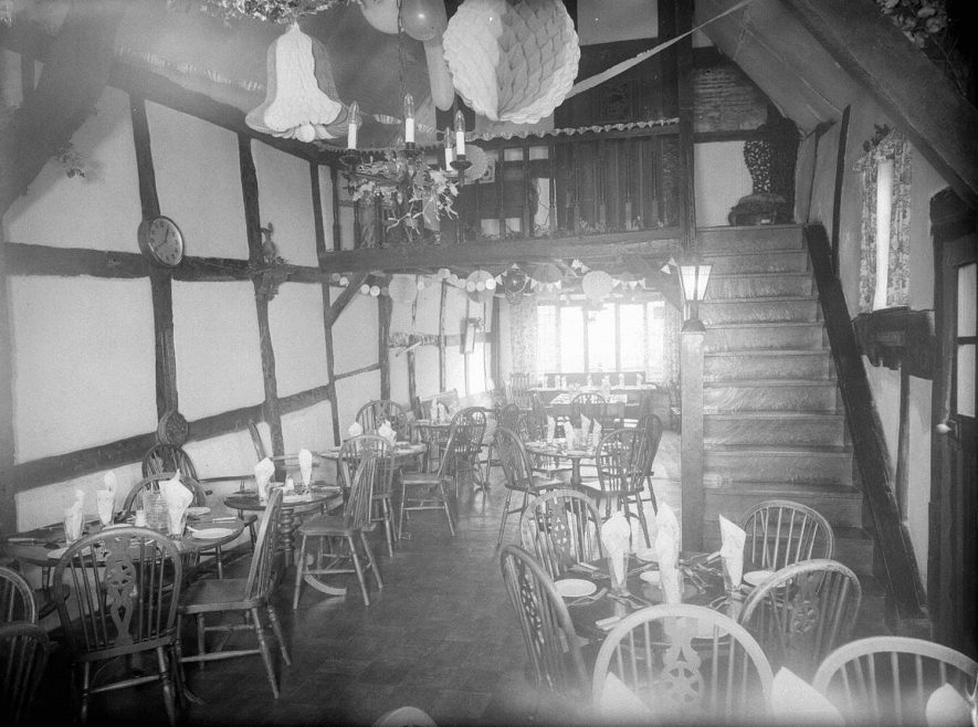 Warwick.  Tudor House Hotel, Stratford Road.  Dining Room & Stairway |  IMAGE LOCATION: (Warwickshire County Record Office)