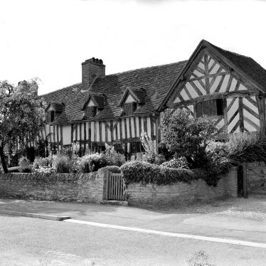 Wilmcote.  Mary Arden's Cottage,  exterior