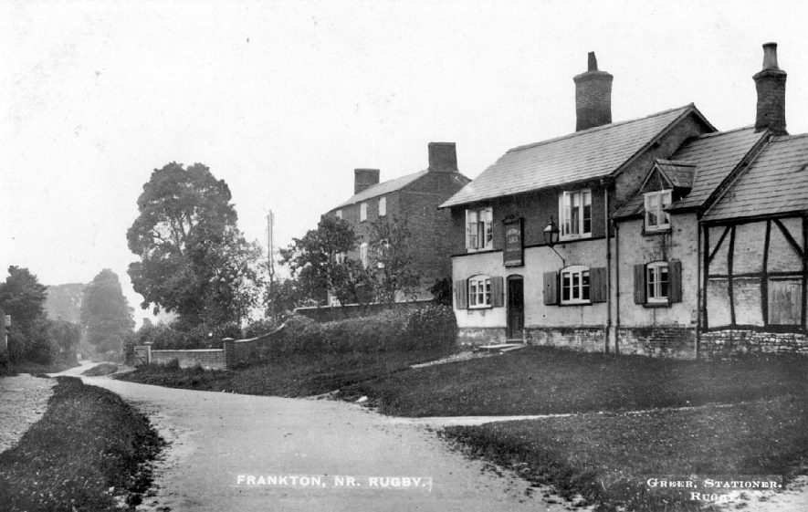 Public house and cottages, Frankton.  1910s |  IMAGE LOCATION: (Warwickshire County Record Office)