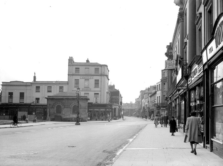 Leamington Spa.  Victoria Terrace, showing the Aylesford Well |  IMAGE LOCATION: (Warwickshire County Record Office)
