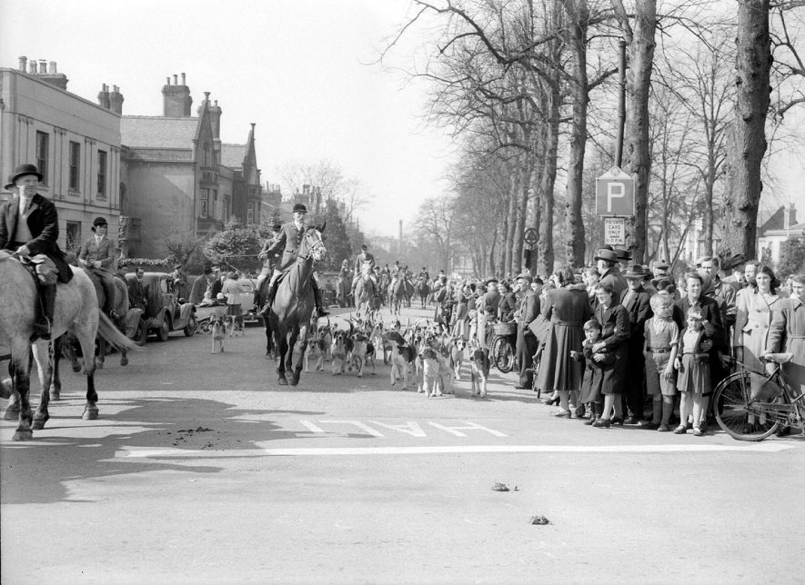 Leamington Spa. Meet of The North Warwickshire Hunt at the Angel Hotel |  IMAGE LOCATION: (Warwickshire County Record Office)