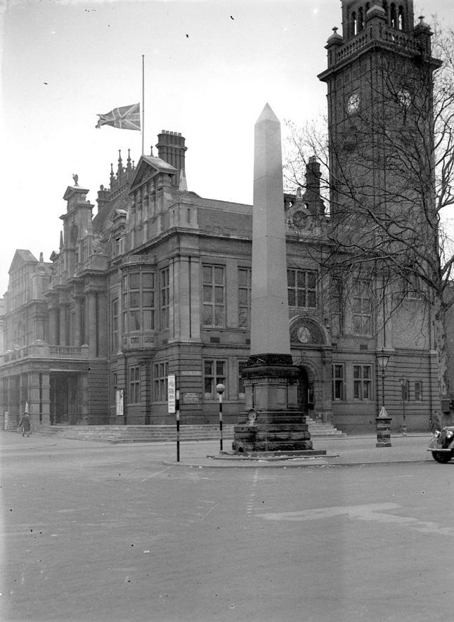 Leamington Spa  Obelisk in Holly Walk in memory of Alderman Bright |  IMAGE LOCATION: (Warwickshire County Record Office)