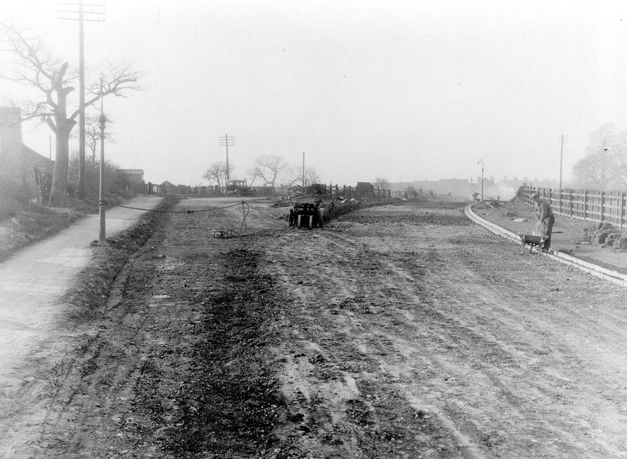 Road works at Ansley.  1925 | IMAGE LOCATION: (Nuneaton Library)