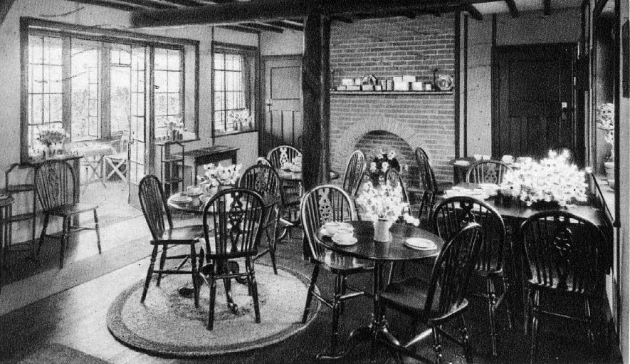 Interior of  The Blue Posts Tea House, Sherbourne Hill.  1920s    IMAGE LOCATION: (Warwickshire County Record Office)