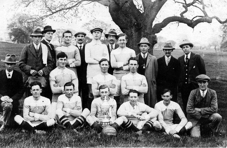 Frankton Football Club team photograph.  1922/23 |  IMAGE LOCATION: (Warwickshire County Record Office)