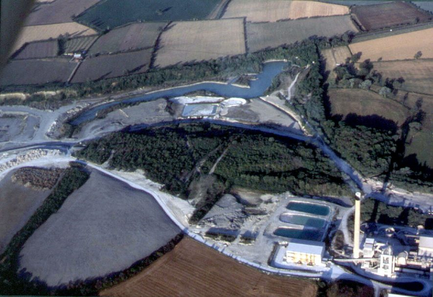 Aerial view of Rugby Cement plc. factory.  Blue Lias, Jurassic, limestone quarry.[ Mirror image is depicted.Reversal pending.]  1970s |  IMAGE LOCATION: (Warwickshire Museums. Geology)