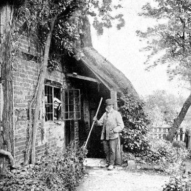 Hampton Lucy.  Avon Cottage