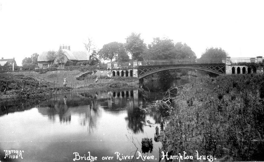The bridge over the River Avon, Hampton Lucy.  1920s    IMAGE LOCATION: (Warwickshire County Record Office)