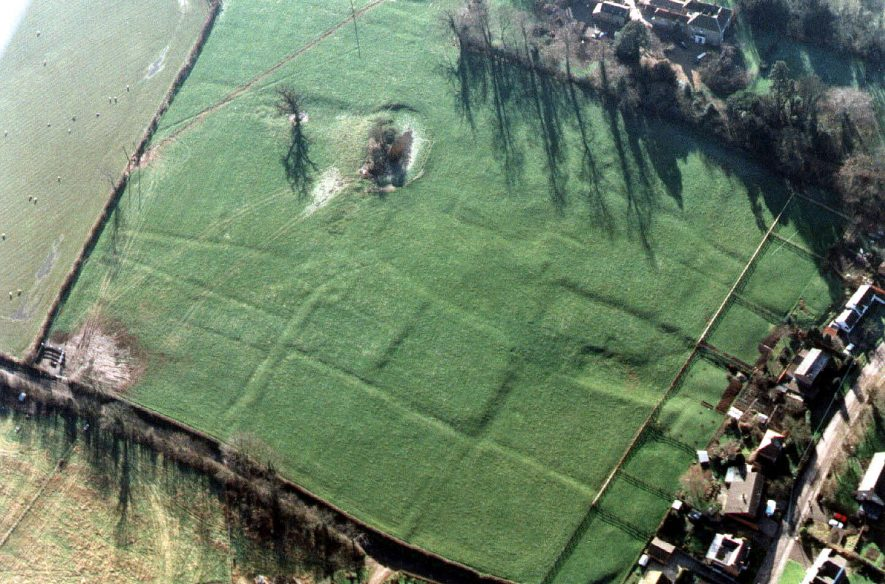 Well defined earthworks in grassland.  1995 |  IMAGE LOCATION: (Warwickshire Museum Sites and Monuments Record)