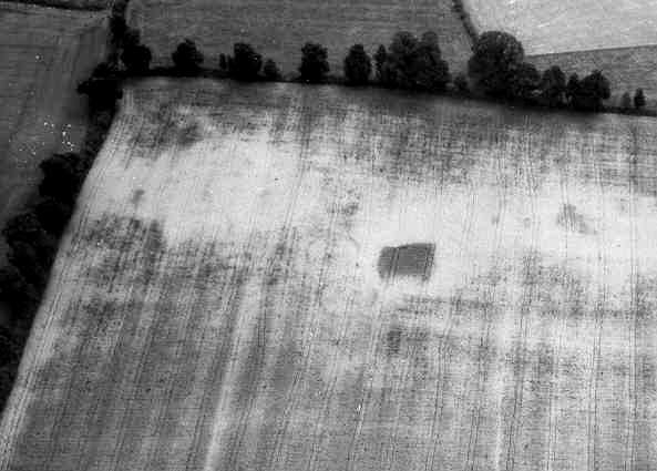 A Second World War searchlight battery visible as a cropmark near Loxley | WA Baker