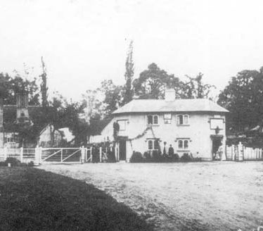 Arrow toll house which covered the roads to Evesham, Alcester and Worcester | Warwickshire County Council