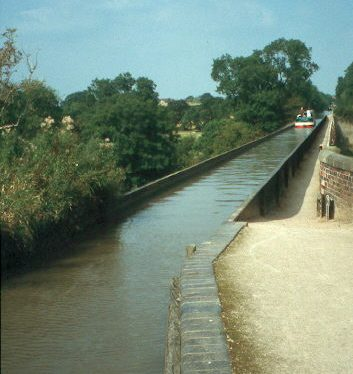 Edstone Aqueduct and tow path in Wootten Wawen.   Warwickshire County Council
