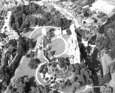 Warwick Castle, Phase I